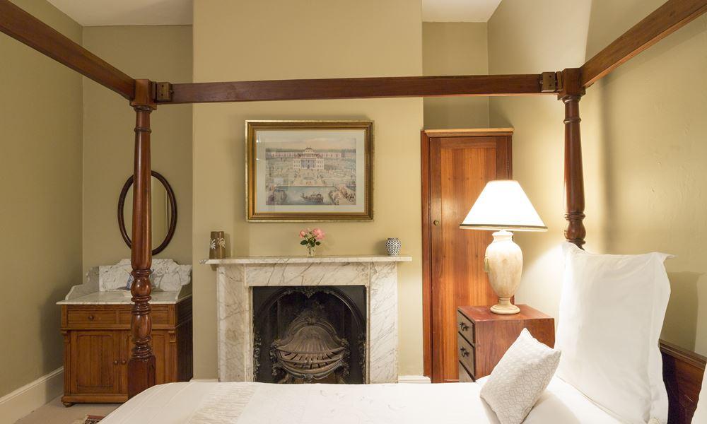 Avon Room