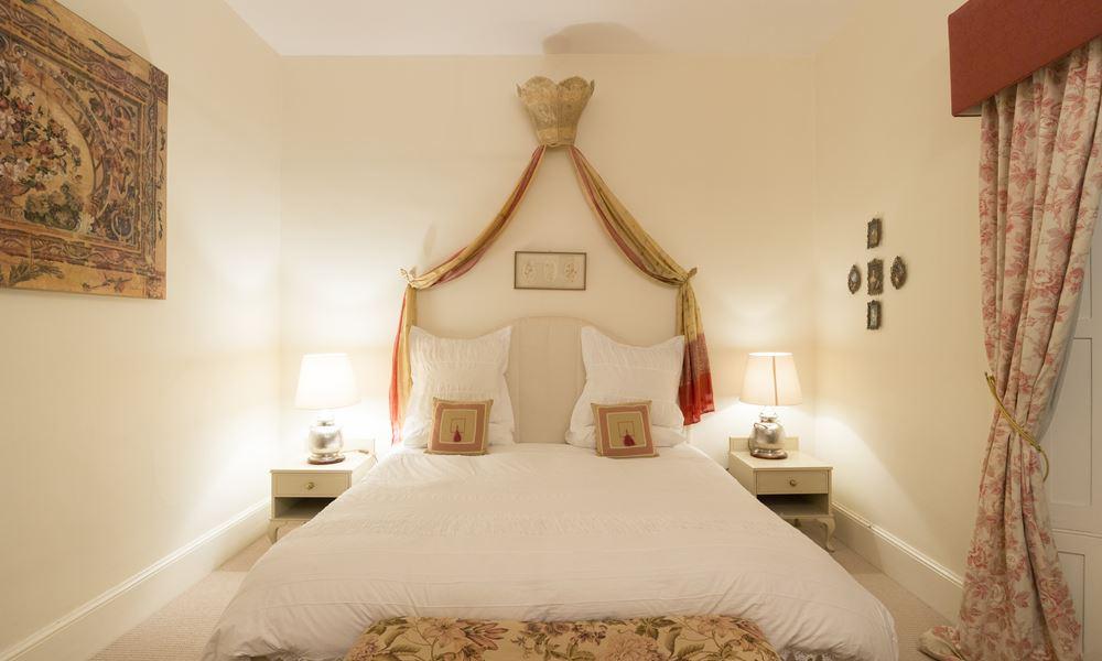 Olive Tree room